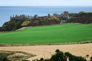 Dunnotar Castle ruins - 2 by wildplaces