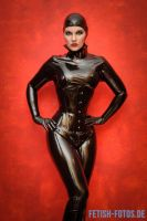 Black Latex and the red wall. by suiluj