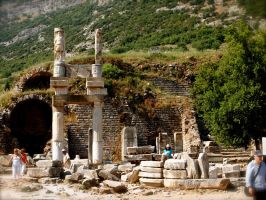 The ruins of Ephesus by jacobjellyroll