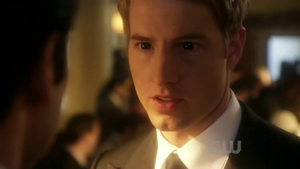 Oliver Queen/Justin Hartley ipnotizzato/hypnotized by frarinald