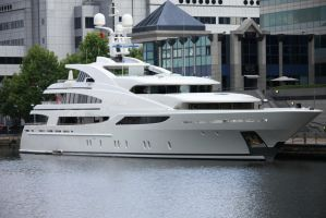 Yacht by yalsaibie