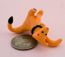 lucky cat size and close up by amberhlynn