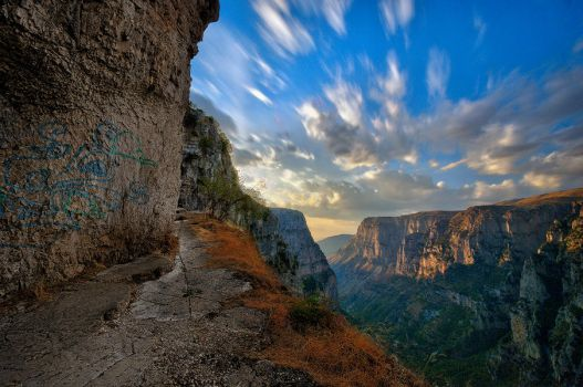 Vikos Canyon by sui400