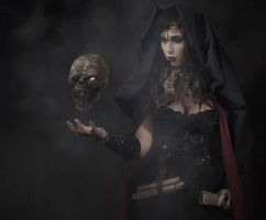 Queen of death by Stephanie-van-Rijn