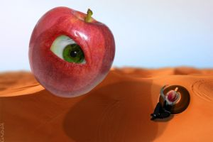 Eye of my Apple by kaolincash
