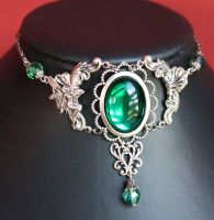 Emerald fairy necklace by Pinkabsinthe