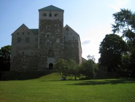 Turku Castle in Summer II by outolumo