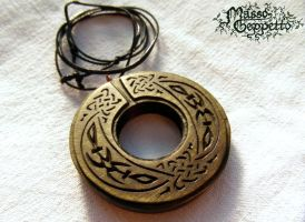 GREEN CELTIC MEDALLION by MassoGeppetto