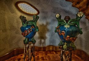 Twin vases by forgottenson1