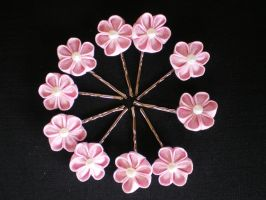 Pink Tsumami clips by Corselia