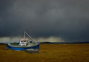 Deserted boat. by jennystokes