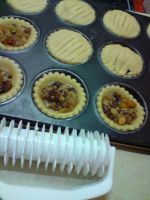 Fruitmince tarts in the making by Amandasmacarons