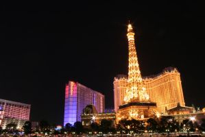 Vegas' version of Paris by entropy462