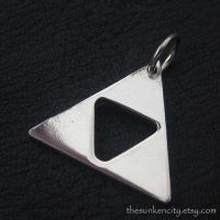 Silver Triforce pendant by Sulislaw
