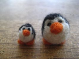 Penguins - needle felting by Xamcaz