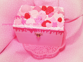 Pink Decoden Box! by kpossibles