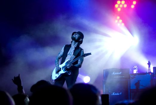 Dave Navarro on stage by sirshannon