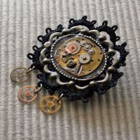 Widow's Weeds brooch by Anthyslily