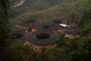 Tian Luo Keng TuLou cluster by REcreates