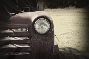 old truck by pictureofsound