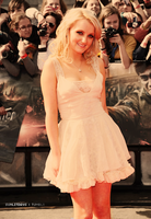 London Premier: Evanna Lynch by vacant-xpressi0ns