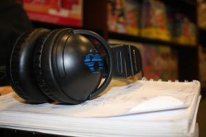 headphone photo by Shen17000