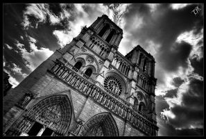 Cathedrale Notre Dame de Paris by EvranOzturk