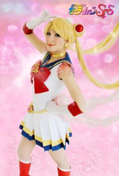 Super Sailor Moon Cosplay by SailorMappy