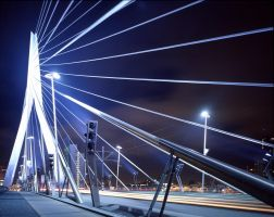 Erasmusbrug at night by jeronimo