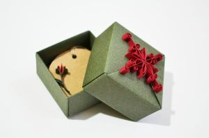 Origami Christmas Gift Box by ReverseCascade