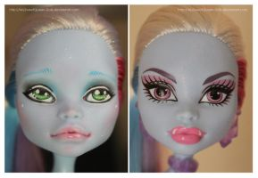 Repainting VS Factory Makeup: Abbey Bominable by MySweetQueen-Dolls