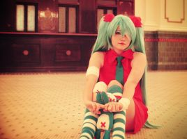 Miku: Try and love the me that is beyond caring by XxSumieLoveNerdsxX