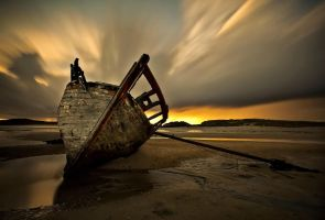 Bunbeg Wreck by AStockman