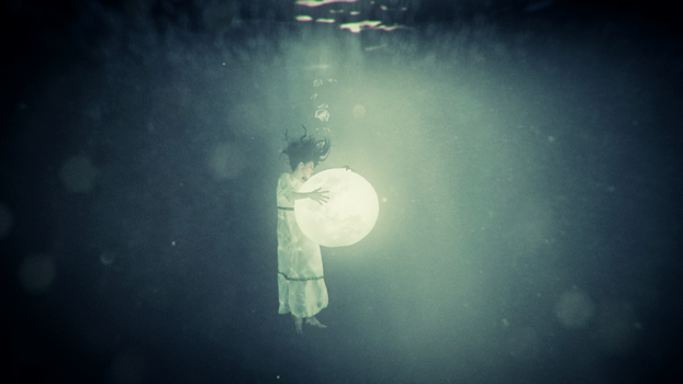 Wildpath's BURIED MOON music video still - End by pippa-hynelin