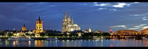 Cologne Skyline Panorama by oetzy