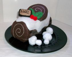 Christmas Yule Log Cake by beanchan
