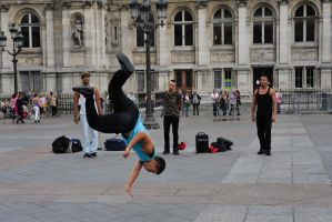 Street dancers by Nile-Paparazzi