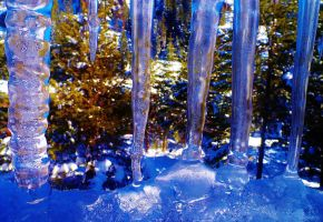 Icicles by NottheVoreFreak