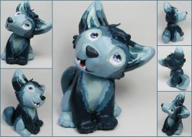 Blue Husky Puppy Sculpture by LeiliaK