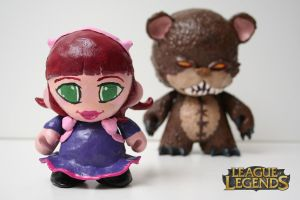 Annie and Tibbers Sculptures by OH-MisterLoki