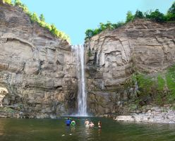 Swimmers at Taughannock Falls by xDx