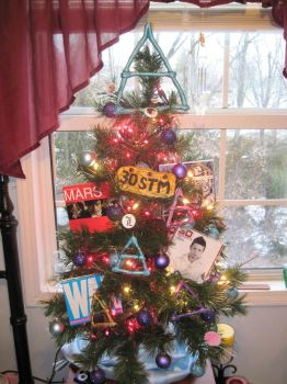 30STM Christmas Tree by VilleVamp