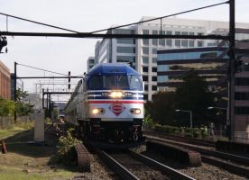 VRE Train 325 SB by JamesT4