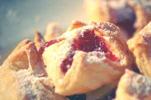 Puff pastry with jam by Zluvka