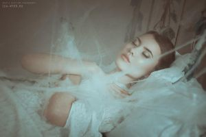 Sleeping Beauty by Isa-Wyrd