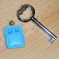 My TARDIS key chain by Mosame