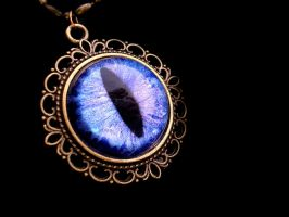 Blue Violet color shift - Dragon Eye Pendant by LadyPirotessa