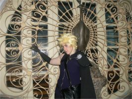 Cloud Strife III by TenchiMuyou