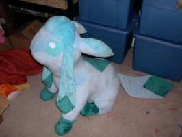 Giant Glaceon plush by Bladespark