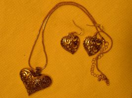 Christmas Present-- Heart Necklace with earrings by fantreasureplanetljs